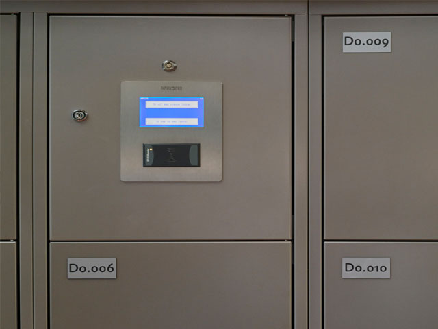 Card Point to Access College Lockers